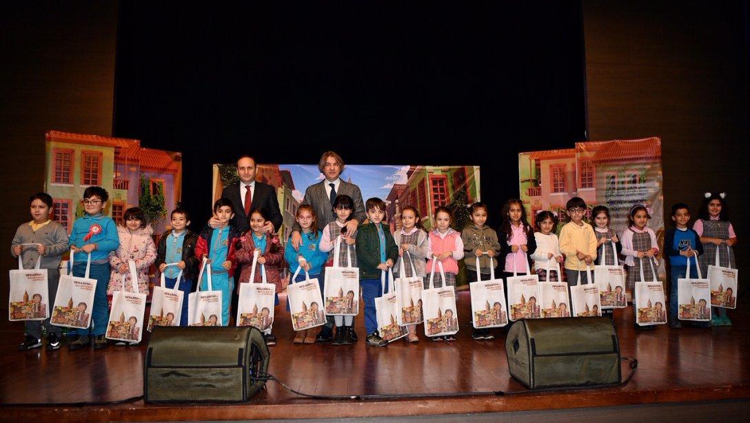 23 Nisan Haftası'nda Dalin ile Tiyatroya Gitmeyen Çocuk Kalmasın 25